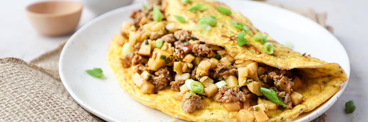 apple sausage omelette